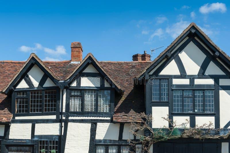 Tudor husfasad arkivfoton