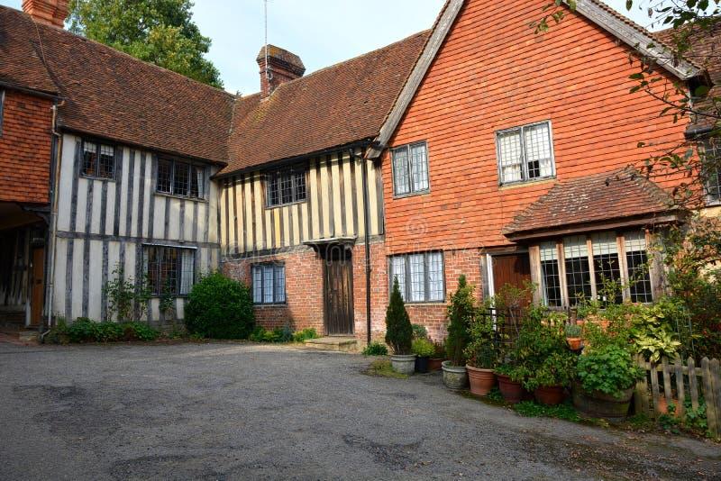 Tudor stylu nowy dom i budynek fotografia royalty free