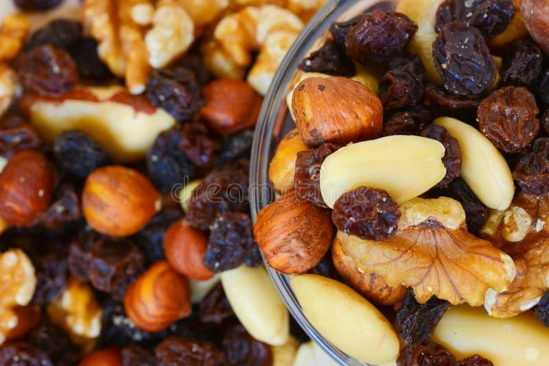 Tuercas mezcladas y frutas secadas imagen de archivo libre de regalías
