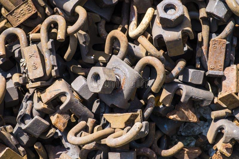 Tuercas oxidadas - y - tornillos fotografía de archivo