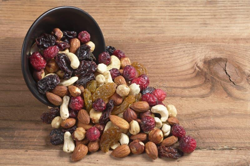 Tuercas y frutos secos imagen de archivo