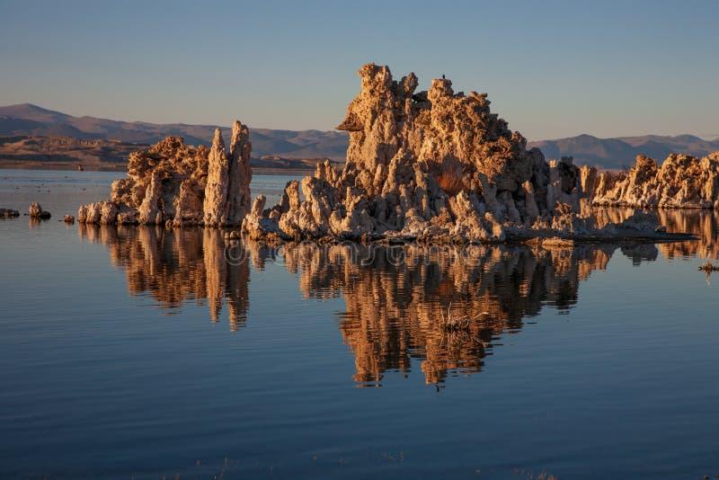 Tufa przy Mono jeziorem, Kalifornia obraz stock