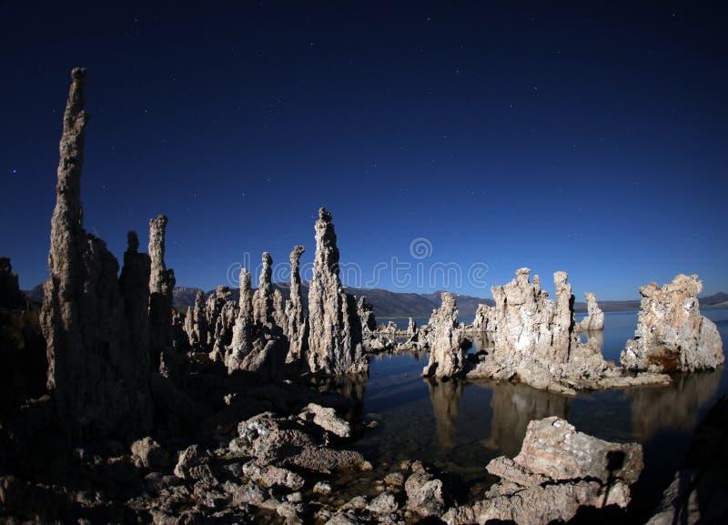 Tufs de lac mono Califonia photo stock