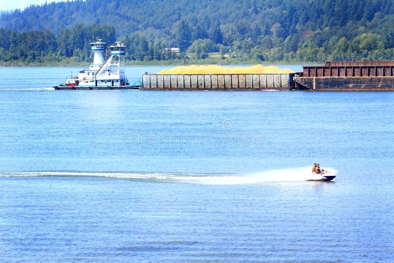 Tug And Barge Traffic stockfoto