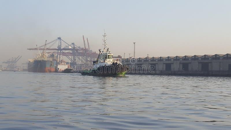 Tug Karachi Seaport arkivfoton
