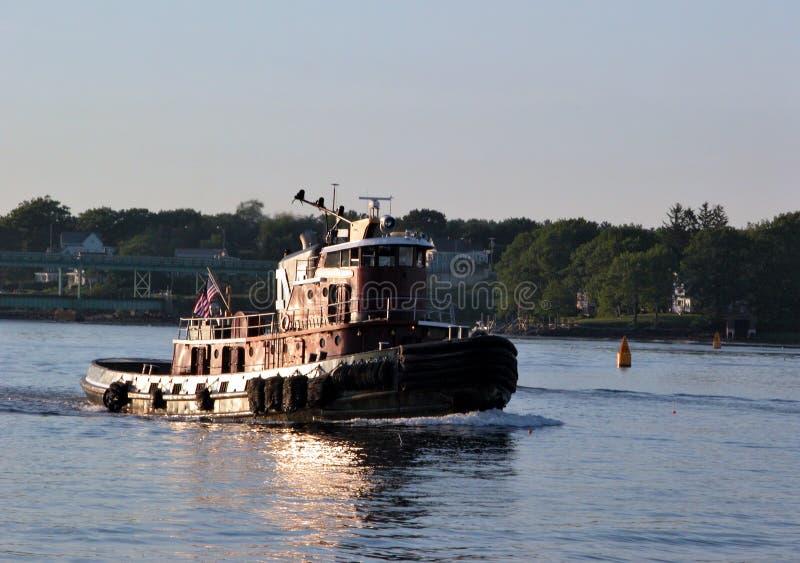 Download Tug łodzi obraz stock. Obraz złożonej z użyteczność, barka - 40403