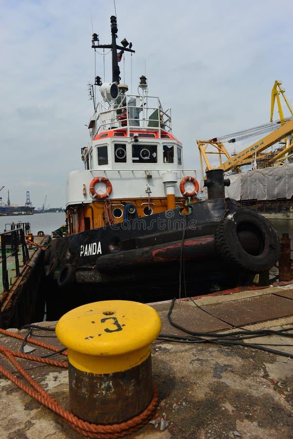 Tugboat στο ναυπηγείο του Γντανσκ Shiprepairing στο Γντανσκ, Πολωνία στοκ φωτογραφίες με δικαίωμα ελεύθερης χρήσης