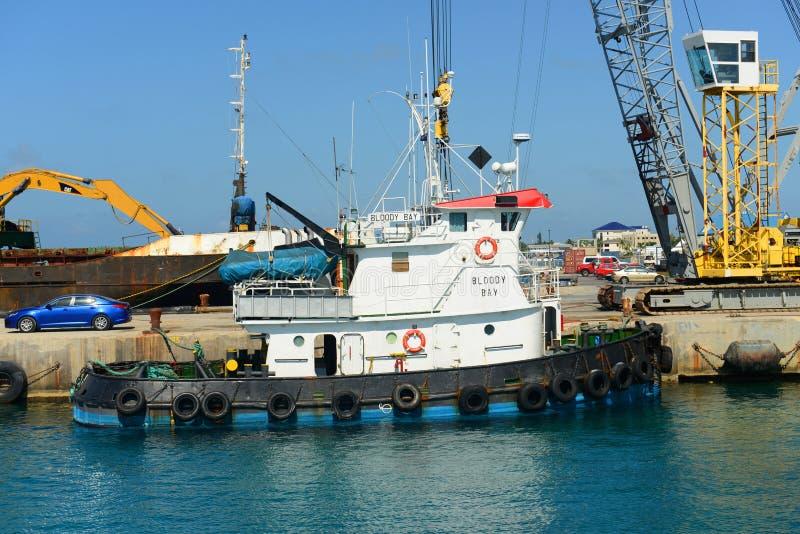 Tugboat Krwista zatoka w kajman wyspach obraz royalty free