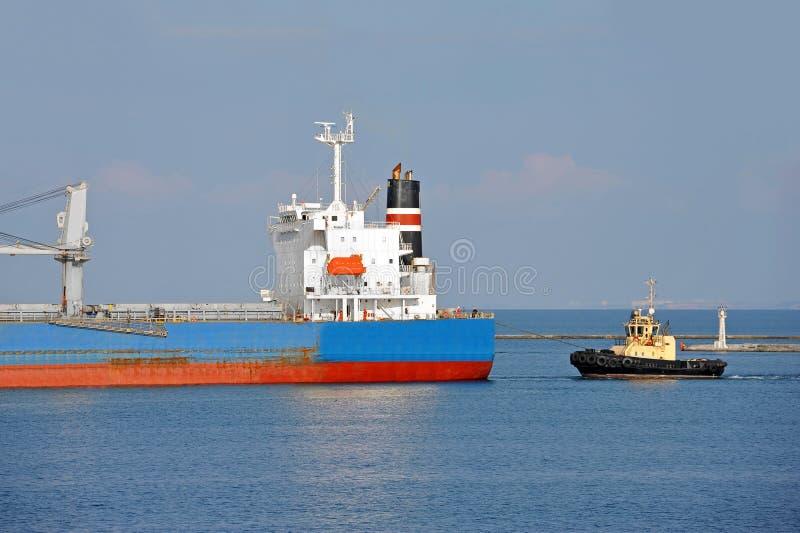 Tugboat target290_0_ masowego ładunku statek obraz royalty free