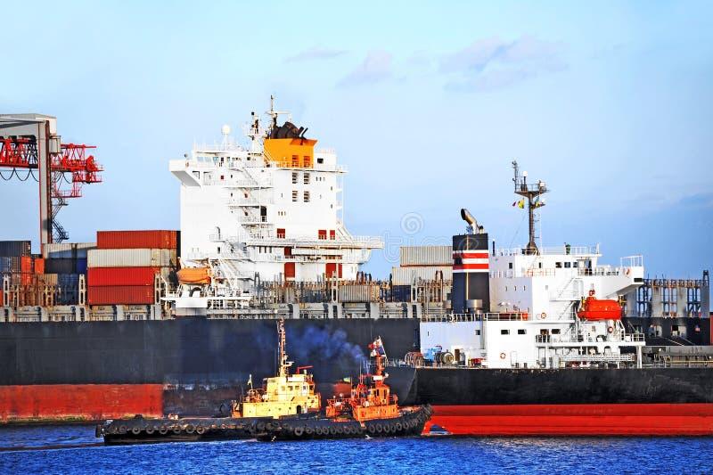 Tugboat target933_0_ zbiornika ładunku statek zdjęcia stock