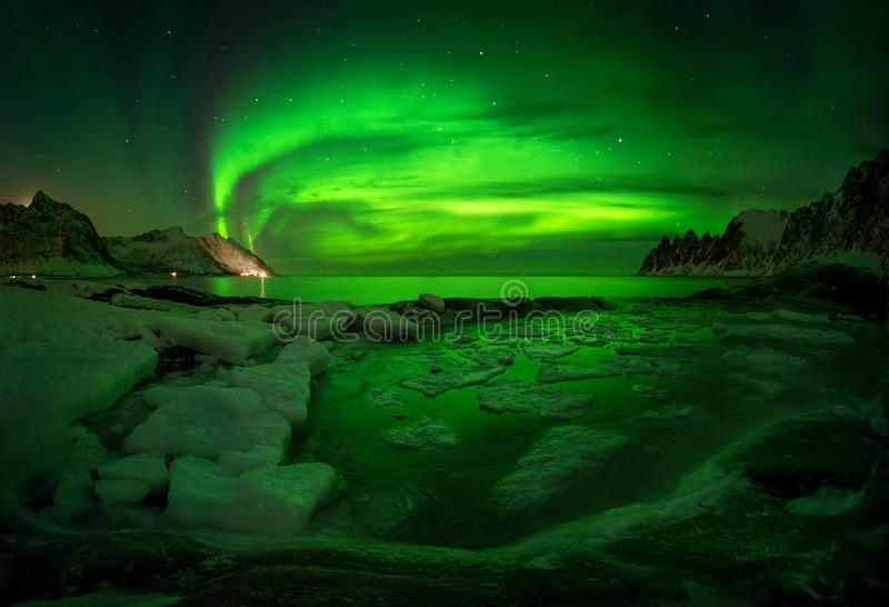 Tugeneset-Auroraeis stockbild