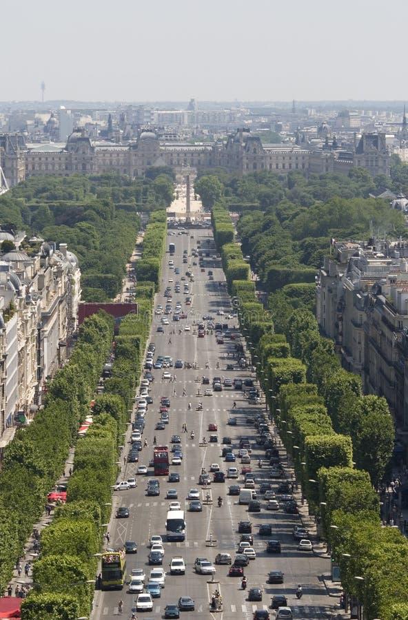 tuggar ljudlig den elyseesfrance paris sikten royaltyfri fotografi