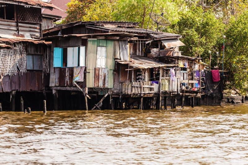 Tugurios tailandeses grandes imagenes de archivo