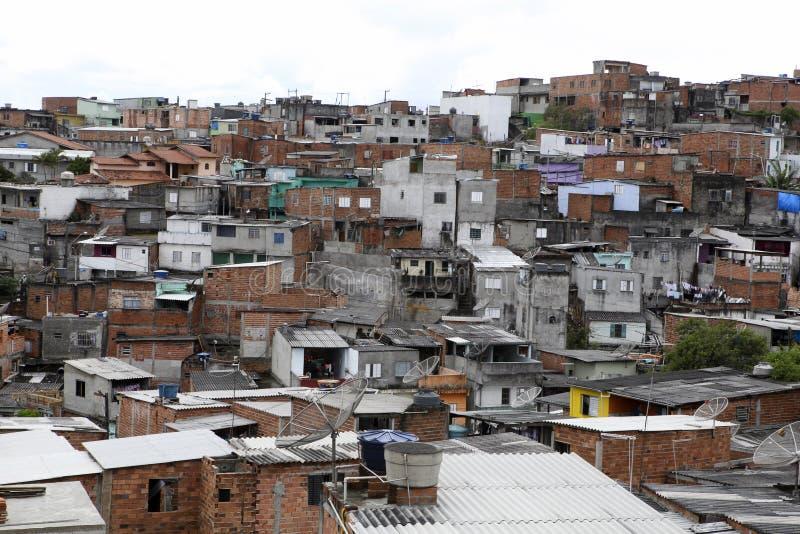 Tugurios, vecindad de Sao Paulo, el Brasil fotos de archivo