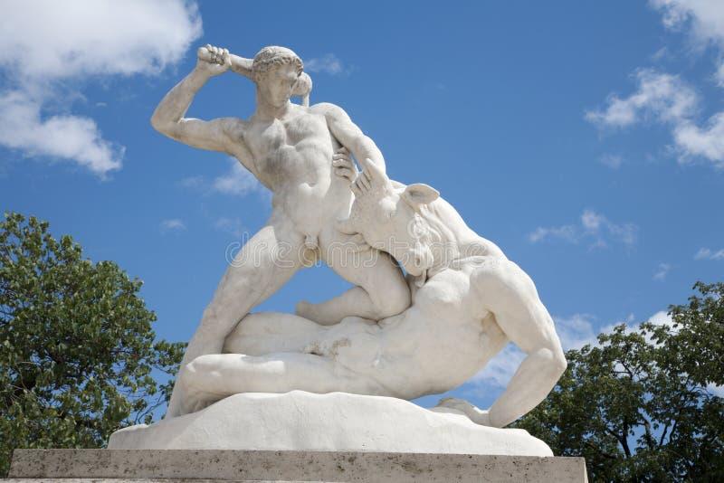 tuileries hercules paris сада стоковая фотография rf