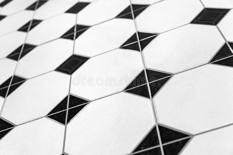 Tuiles colorées noires et blanches de fond de mosaïque images libres de droits
