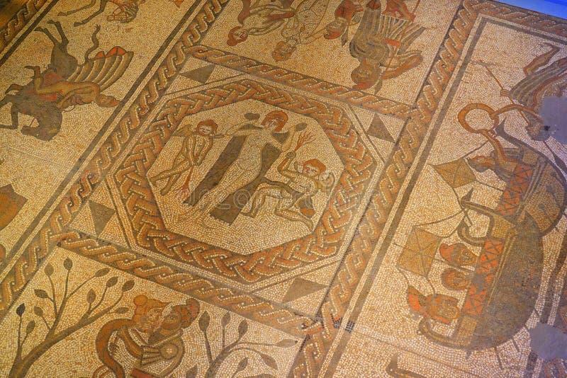 Tuiles de mosaïque romaines sur le plancher image libre de droits