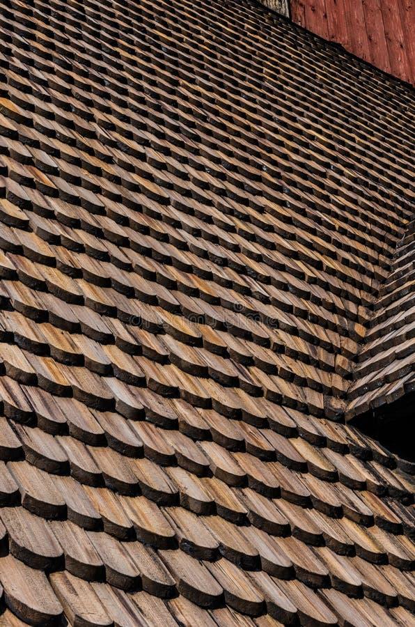 Tuiles de toit en bois sur la vieille église de Gamla Upsal photo libre de droits