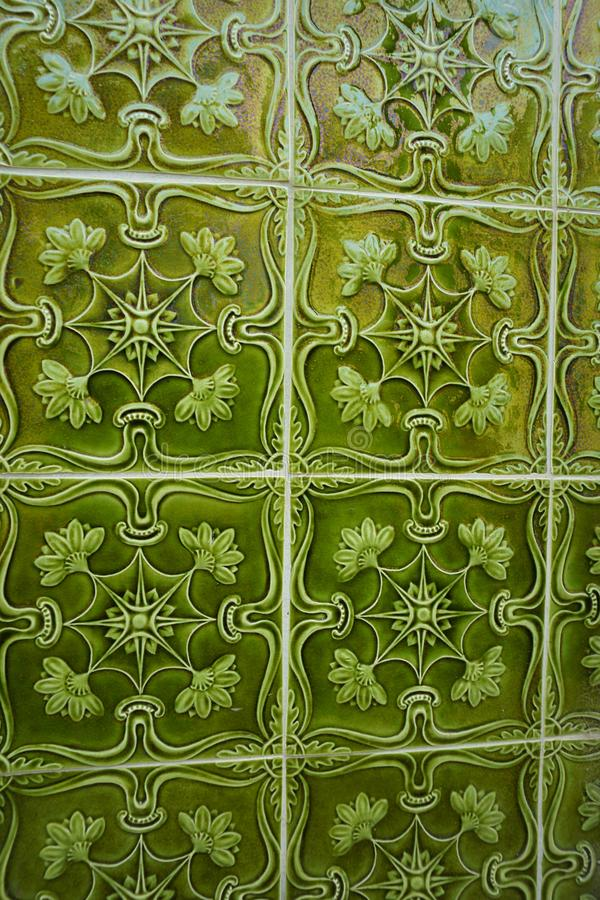 Tuiles vertes d'Azulejos avec l'ornement convexe de volume image libre de droits