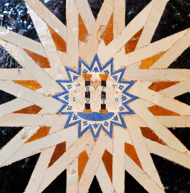Tuiles vitrées, azulejos, palais d'Alhambra à Grenade, Espagne photo stock