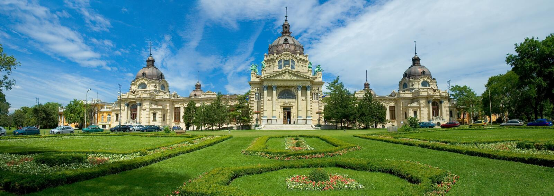 Tuinen en kasteel in Boedapest, Hongarije royalty-vrije stock afbeeldingen