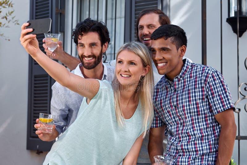 Tuinpartij selfie stock afbeelding