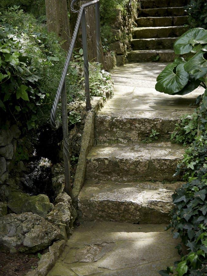 Tuinstappen van een Villa in Anacapri op het Eiland van Capri in de baai van Napels Italië royalty-vrije stock foto's