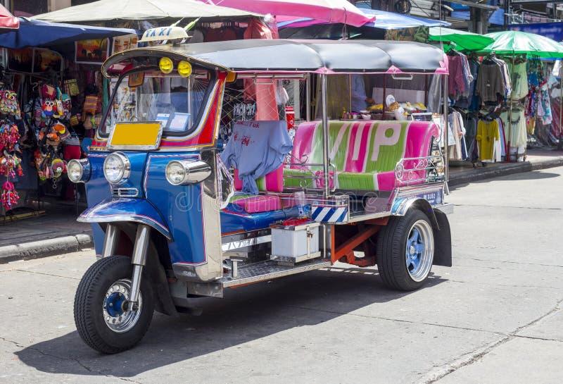 Tuk Tuk - eller auto-rickshaw - Bangkok, Thailand arkivbild
