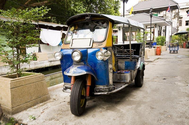 Tuk-tuk em Banguecoque, Tailândia fotos de stock