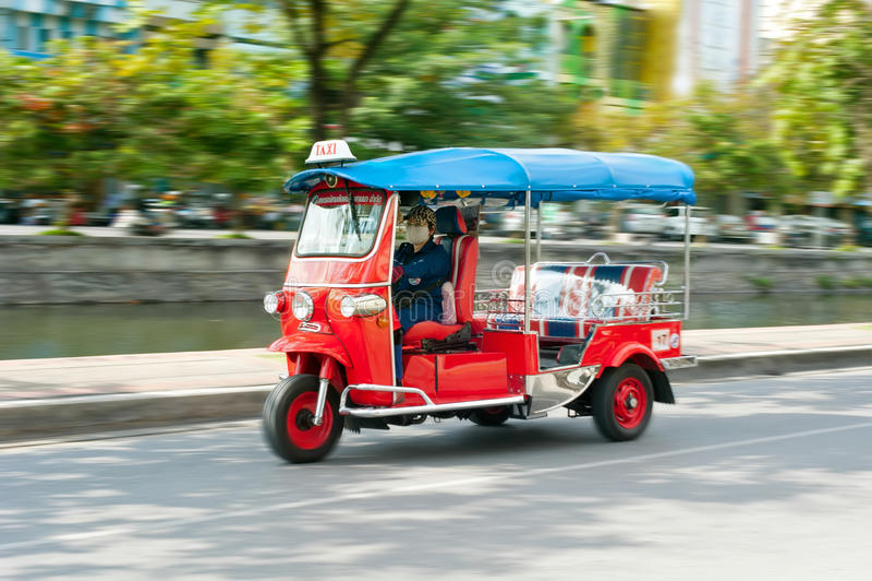 Tuk-tuk moto出租汽车在张Mai,泰国 库存图片