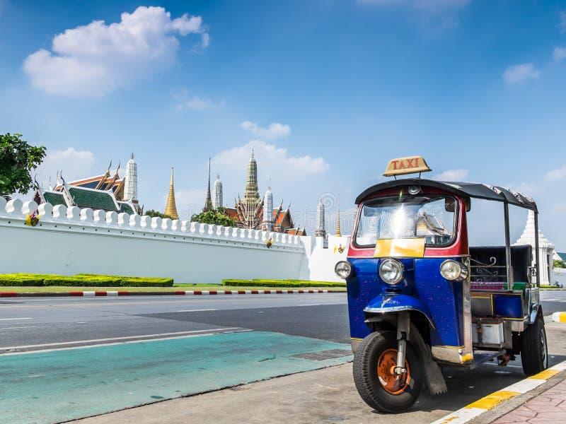 Tuk-Tuk, thailändisches traditionelles Taxi in Bangkok Thailand stockfotos