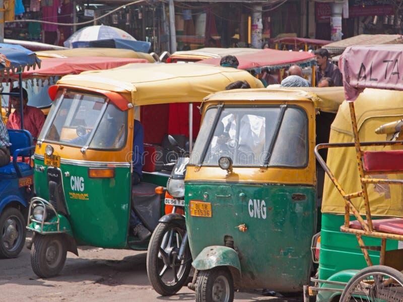 Tuk Tuks dla dzierżawienia w Delhi zdjęcie stock