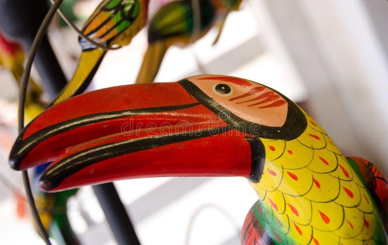 Download Tukan De Cerámica En Un Estante En El Mercado En Ciudad Vieja Foto de archivo - Imagen de ceramic, histórico: 64203922