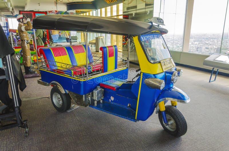 Tuku tuku samochód w Baiyoke wierza II obrazy royalty free