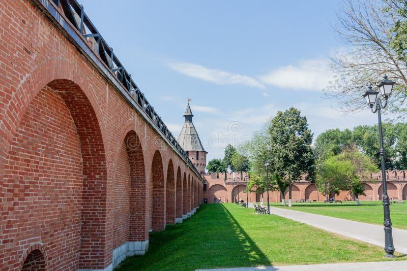 Tula, de muren van het Kremlin en toren stock foto's
