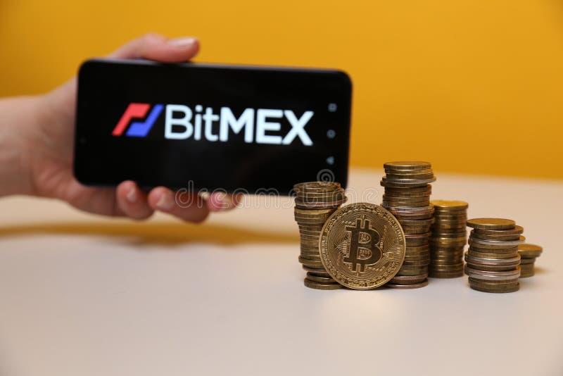 Tula, Rússia - 12 de maio de 2019: BitMex na exposição do telefone fotos de stock