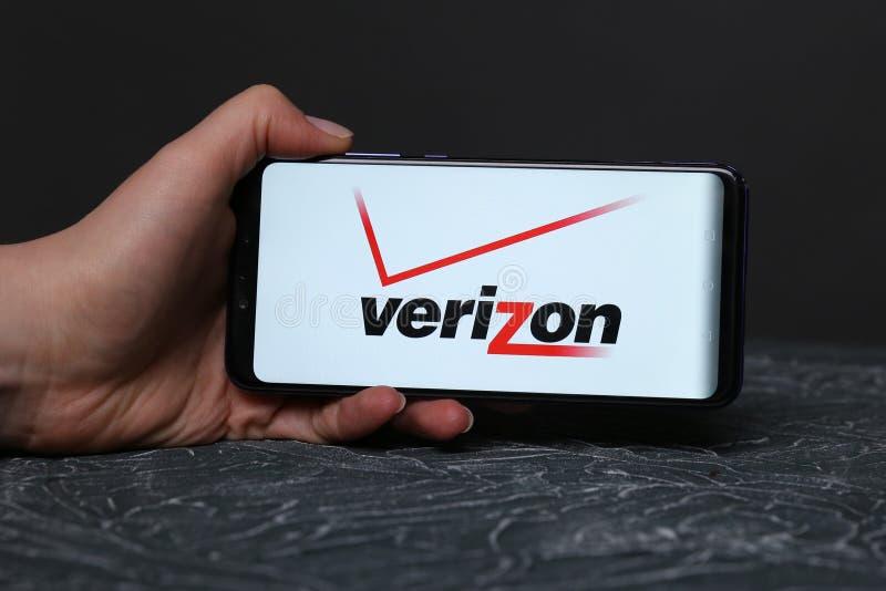 Collegare il telefono cellulare Verizon prima lotta mentre incontri
