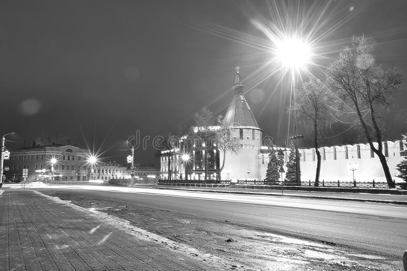 Tula Torn och vägg av Kremlarsenalhuvudstaden av Ryssland Svartvitt monokromt foto royaltyfria bilder