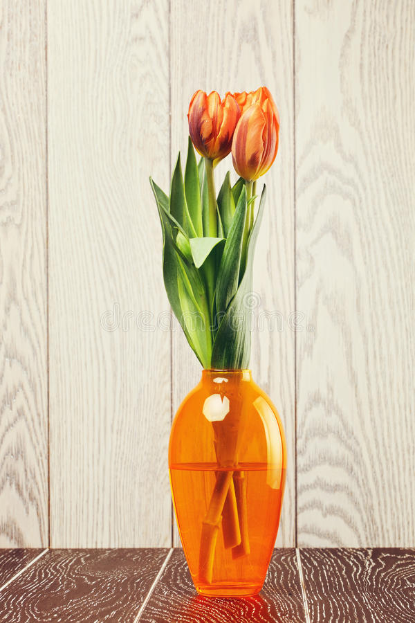 Tulip Flowers Bouquet In Vase stock afbeeldingen