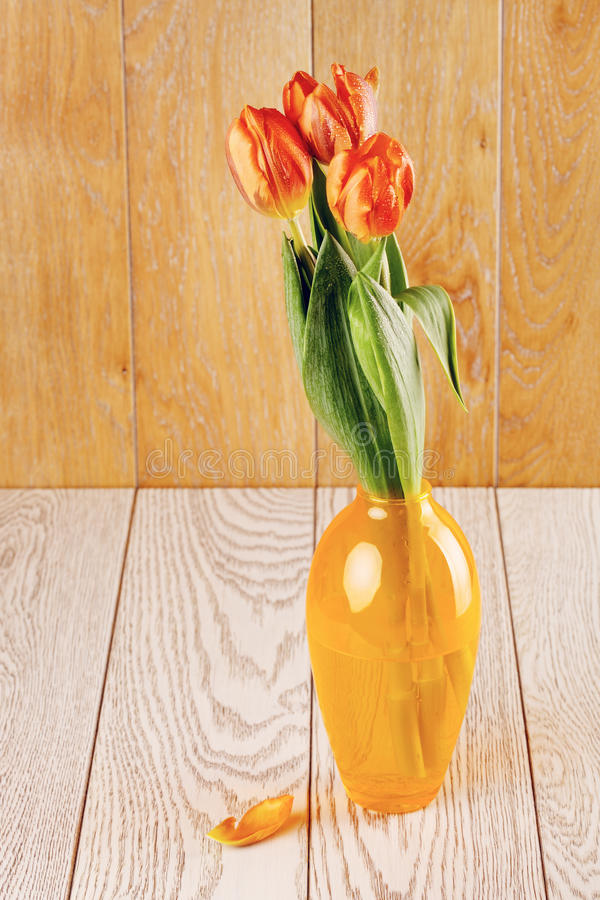 Tulip Flowers Bouquet In Vase royalty-vrije stock foto's