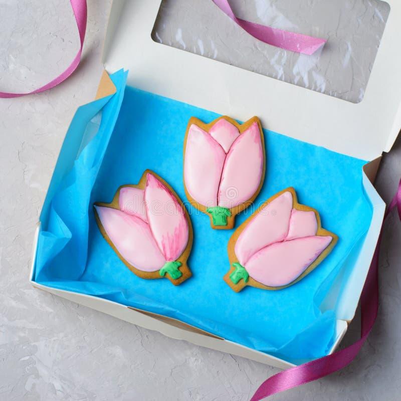 Tulip Gingerbread Cookies, biscotti fatti a mano con Sugar Icing fotografia stock libera da diritti