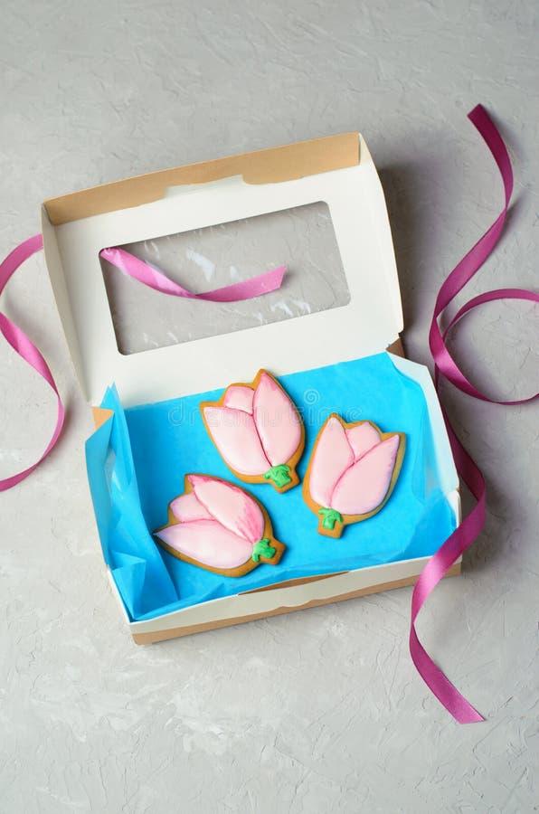 Tulip Gingerbread Cookies, galletas hechas a mano con Sugar Icing imagen de archivo libre de regalías