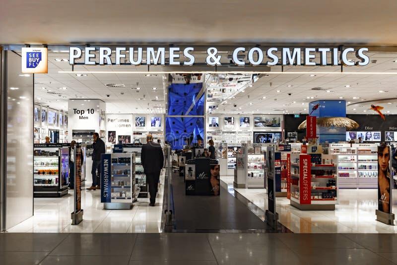 Tullfri shopping för dofter och för skönhetsmedel royaltyfri fotografi