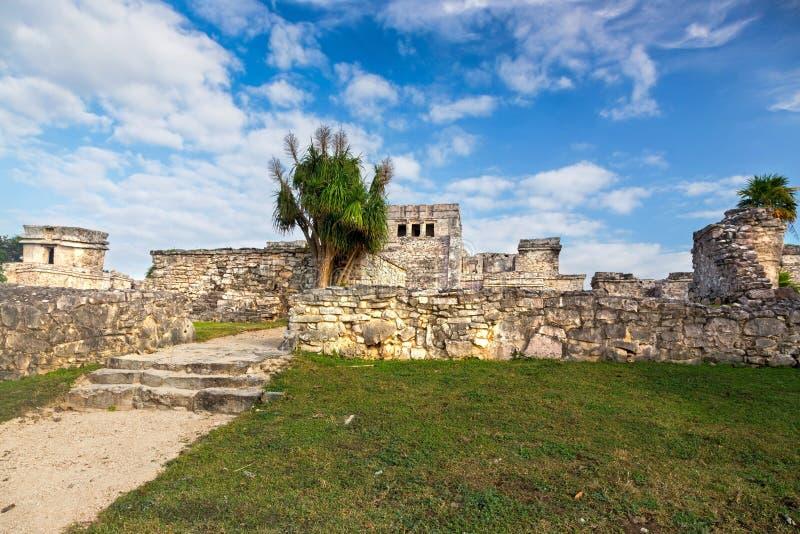 Tulum arruina la península del Yucatán arqueológica maya de México de la ciudadela del sitio imagen de archivo libre de regalías