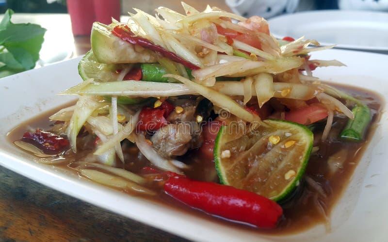 Tum do som, salada verde da papaia, alimento tailandês da culinária fotografia de stock royalty free