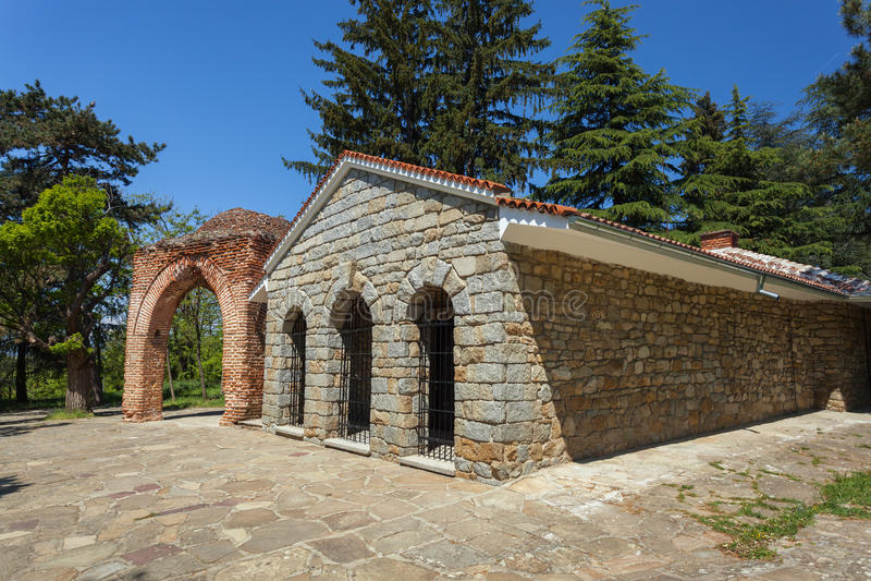 Tumba antigua de Thracian en Kazanlak, Bulgaria fotografía de archivo