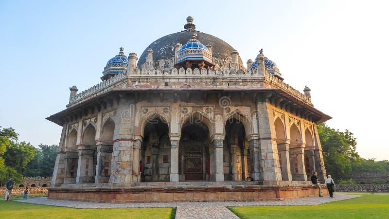 Tumba de Isa Khan en Delhi, la India, Asia imagenes de archivo