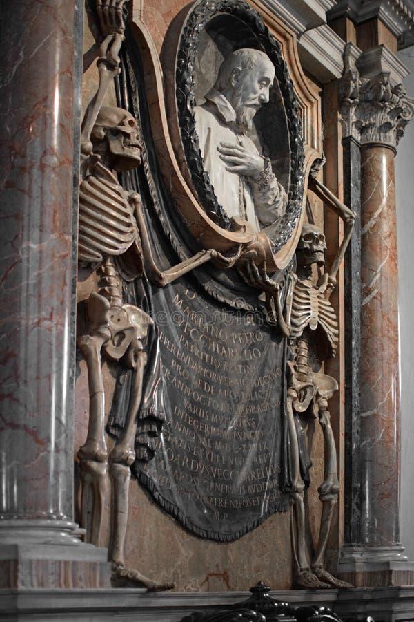 Tumba de Mariano Petro Vecchiarelli dentro de San Pedro imagen de archivo