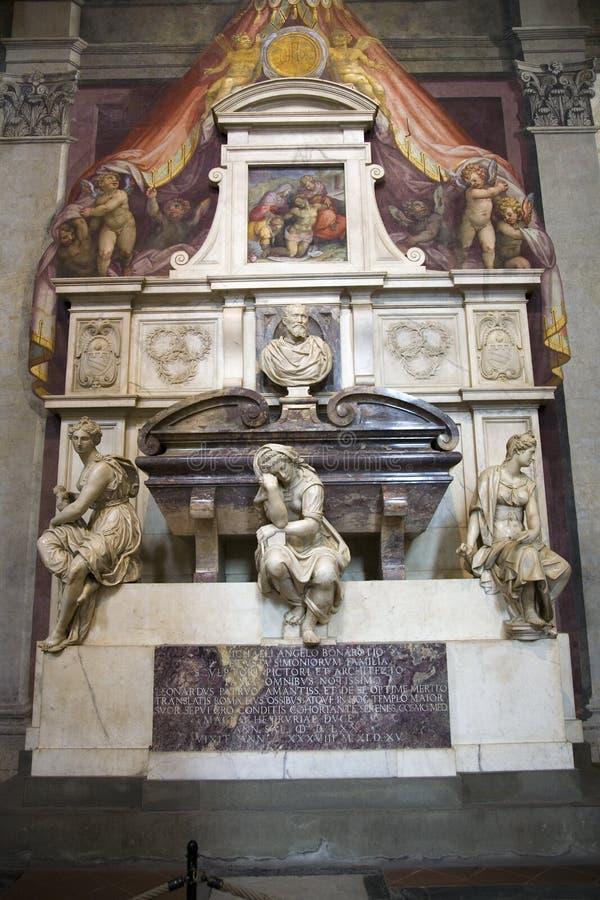 Tumba de Michelangelo di Lodovico Buonarroti Simoni en la basílica de Santa Croce, Florencia, Italia, Europa fotos de archivo