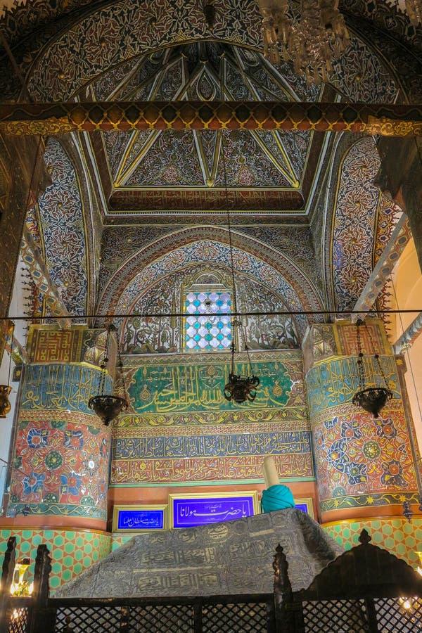 Tumba del ` s de Sufi en el museo de Mevlana en Konya, Turquía imagenes de archivo